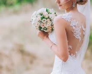 Best tips to know How to select Perfect wedding dress